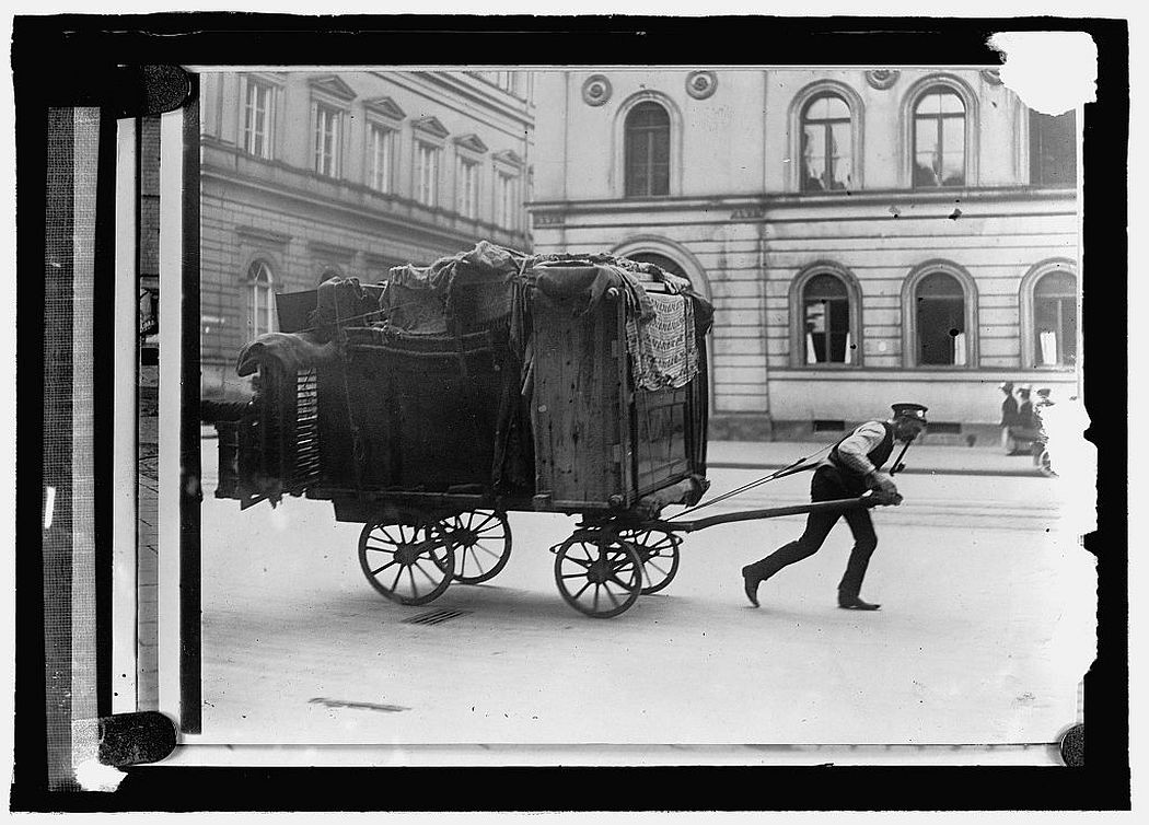 vintage-moving-day-early-20th-century-09